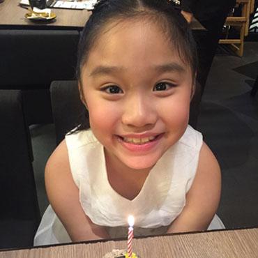 Chong Xin-en, Louissa